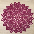 The Advent Calendar Pineapple Doily: finished.